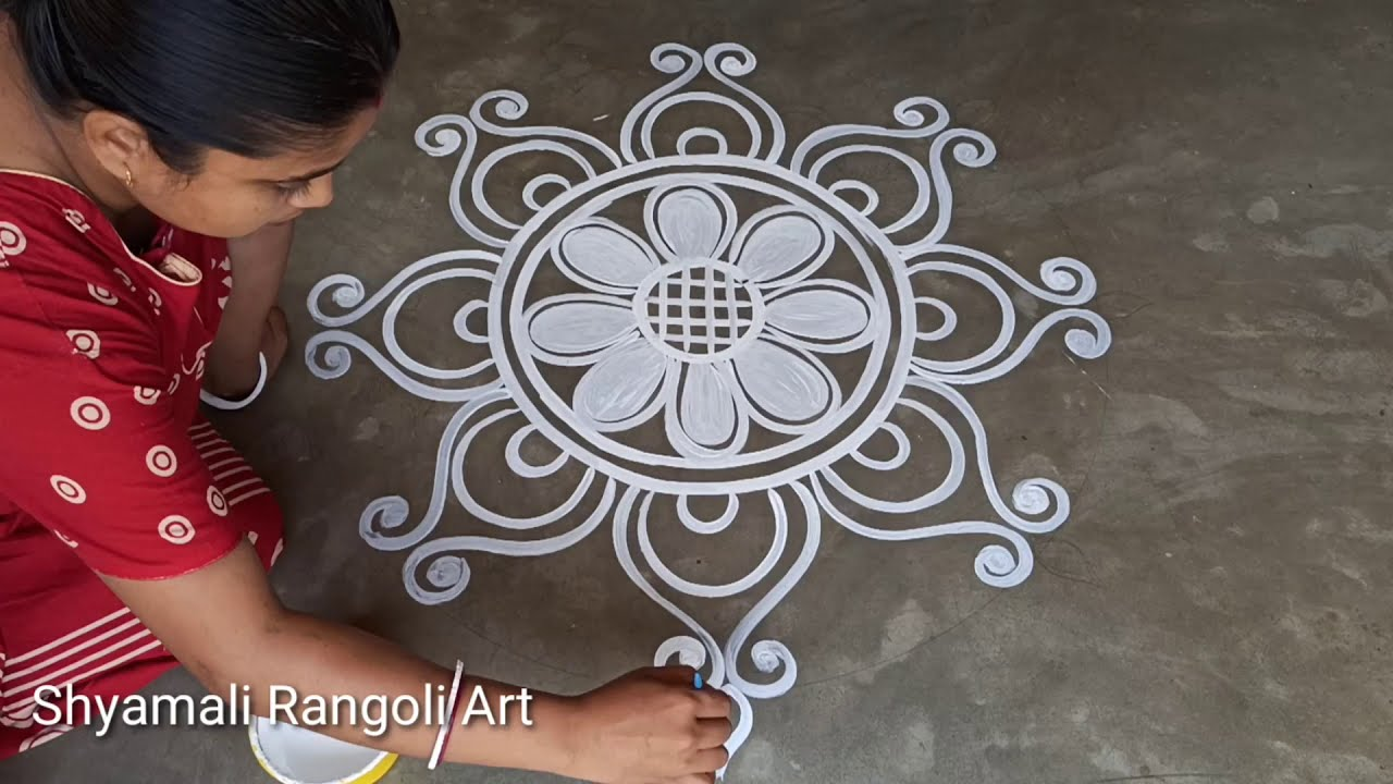 very simple alpana design ranngoli for laxmi puja by shyamali