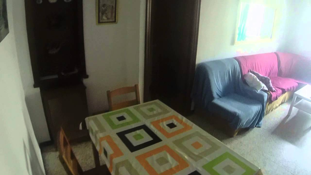 Single rooms for rent in a sunny apartment in La Macarena