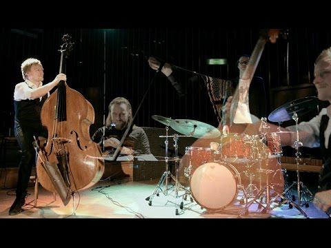 download lagu mp3 mp4 Eple Trio, download lagu Eple Trio gratis, unduh video klip Download Eple Trio Mp3 dan Mp4 Full Gratis