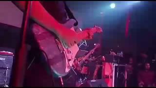 Andra & The Backbone - Surrender (live)