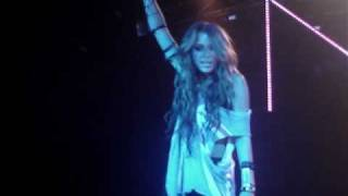 Miley Cyrus live in London - Can't be tamed