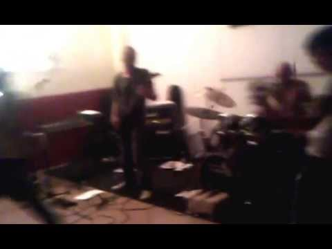 The Krushers - Teledemocrazia _ live zetalab Palermo 13/04/13