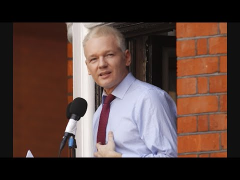 AP reporter Eric Tucker explains the indictment by the U.S. Department of Justice against WikiLeaks founder Julian Assange, who was pulled from the Ecuadorean Embassy in London and hauled into court Thursday. (April 11)