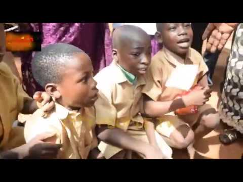 Taiwo Hassan Ogogo Storms His Old Primary School In Ilaro