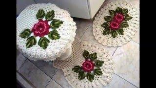 Уютные вязанные коврики для ванной комнаты