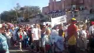 preview picture of video 'Desfile por el Primero de Mayo en Las Tunas'