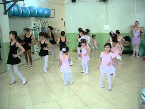 Aula de Ballet na Academia Corpus, em Cachoeira de Minas