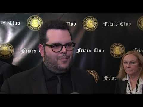 At a Friars Club event celebrating Billy Crystal, Josh Gad and Rob Reiner discuss the late Stan Lee's legacy. (Nov. 13)