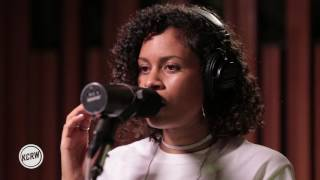 """AlunaGeorge performing """"I Remember"""" Live on KCRW"""