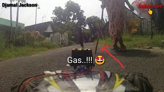 FPV RC CAR, Around the house, prank my cat and bad grandmother in front of the house.