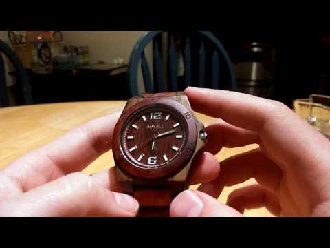 "Ideashop Men's ""Red and Black Natural Sandalwood Watch"" Review"