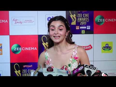 "Alia Bhatt: ""I Worked Very Hard On Ghar More Pardesiya  & I'm very Happy""| Zee Cine Awards 2019"