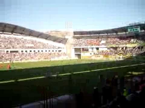 """""""CHAVIN TV: HINCHADA DEL SPORT ANCASH ALENTANDO EN EL ROSAS PAMPA"""" Barra: Amenaza Verde • Club: Sport Áncash"""