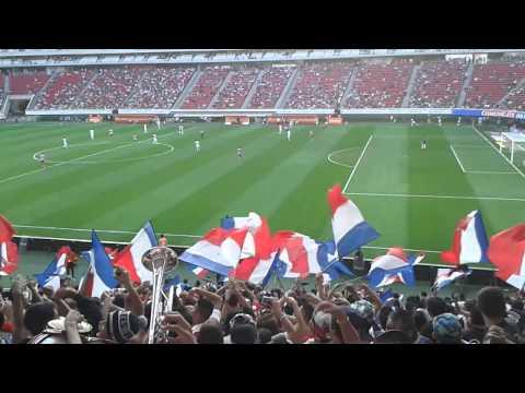 """La Irreverente vs Queretaro CL 2014 (Santurrona)"" Barra: La Irreverente • Club: Chivas Guadalajara"