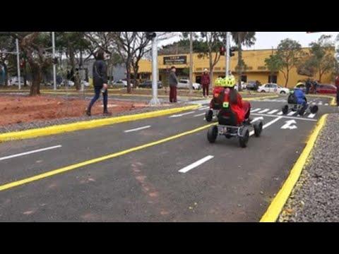 Niños paraguayos se ponen al volante para asegurar a futuro la seguridad vial