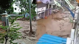 Video Detik-detik Banjir Terjang Permukiman Warga di Banyuwangi