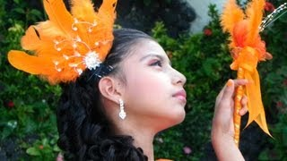 preview picture of video 'Desfile 15 de Septiembre 2013 - Espíritu Santo Zacatecoluca - Full HD'