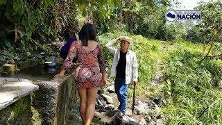 VIGIANDO A La Vecina Bañarse!!!  En El Río   Casos De La Vida Real 🎬Corto 🎥 Sketch C28