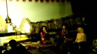 preview picture of video 'VIDEO WAYANG KULIT TITI LARAS KISARAN'