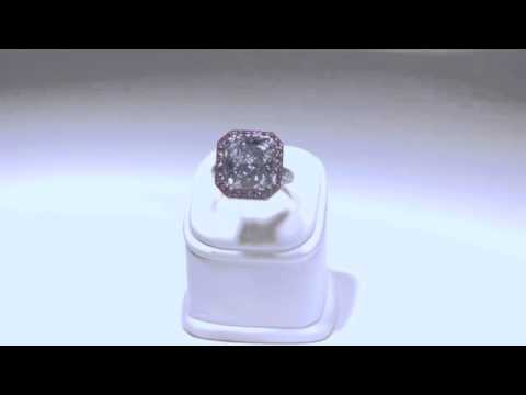 A royal blue diamond ring combined with pink diamonds