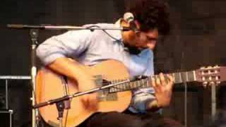 Jose Gonzalez - Love Will Tear Us Apart (Bluesfest '08)