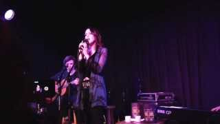 Элизабет Гиллис, Liz Gillies - Take it Easy On Me (Live at Genghis Cohen)