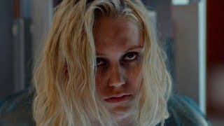 美女被男子尾随迷晕囚禁起来,她却策反了人工智能看守逃了出来,密室惊悚科幻电影