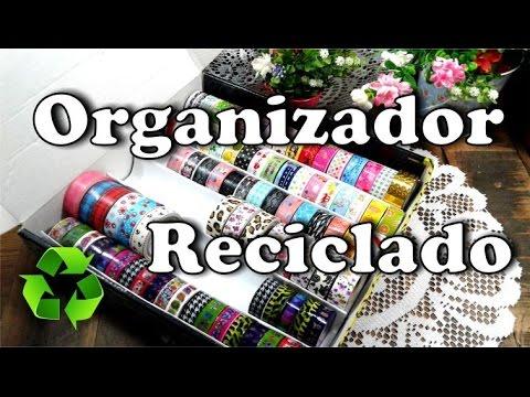 Organizador reciclando caja y rollos de carton