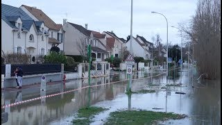 Rising Seine River Leaves French Town at Risk