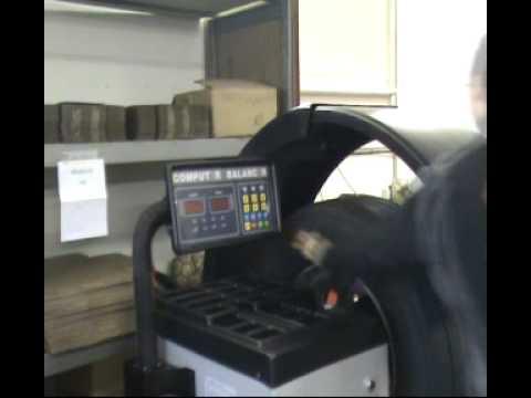 LKW Reifenwuchtmaschinen ATH 1200 /Truck Wheel Balancers ATH 1200