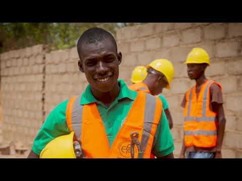 Des jeunes apprentis du secteur de la construction au Burkina Faso racontent leur parcours. Le témoignage de Yaya