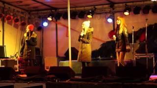 preview picture of video 'Holki ♥ Padám Výš ♪♫♪♪ Uherský Brod 12.12.2012 ~ Živě ~ HD'