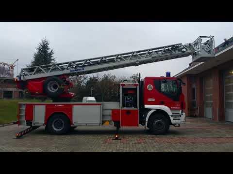 Profesionální hasiči Budapešť Maďarsko - Dva Mladí Hasiči