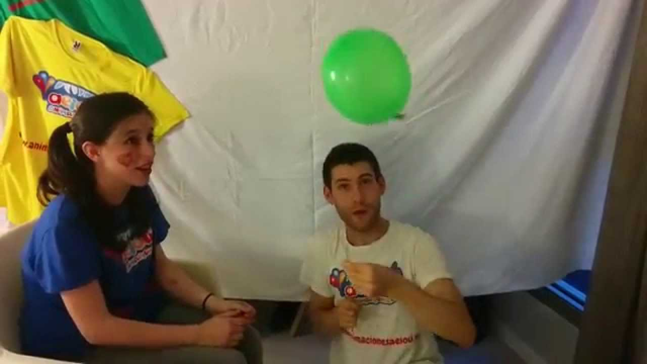 Trucos de magia infantil: el globo atravesado