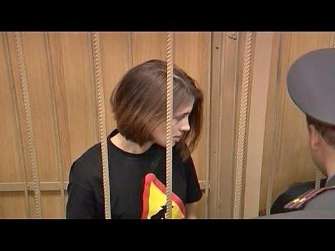 Ragazza russa del sesso adulto con un giovane ragazzo