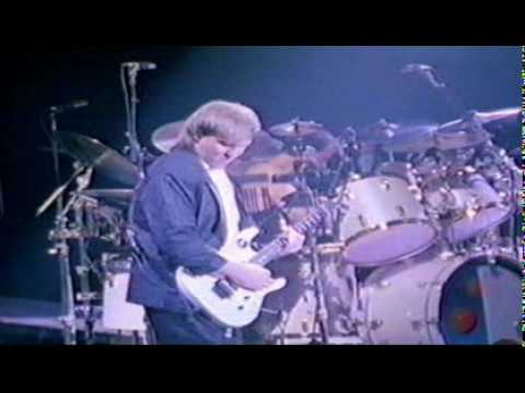 YYZ - Rush ( Neil Peart Drum Solo )