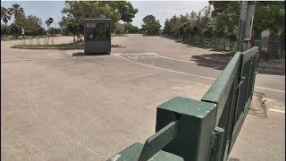 Bari, cancelli ancora chiusi e chioschetti vuoti: la situazione della spiaggia di Torre Quetta - VIDEO