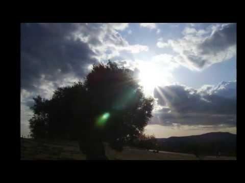 , title : 'Giuni Russo Franco Battiato - Strade Parallele (Aria Siciliana)(testo+traduzione)'