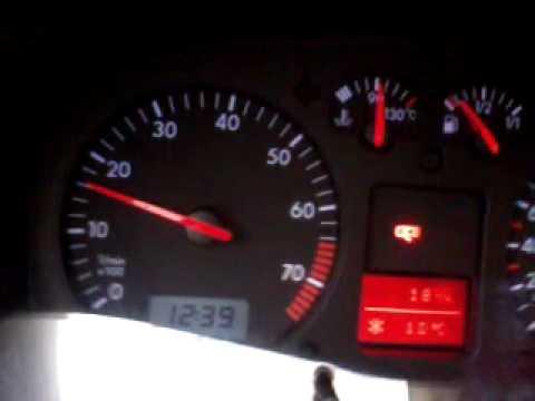 Der Motorroller aus dem Filter das Benzin