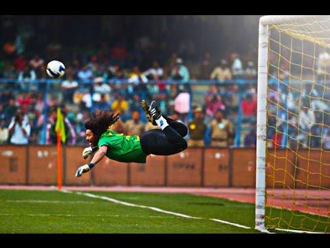 Top 10 Miraculous Goalkeepers Saves in Football History