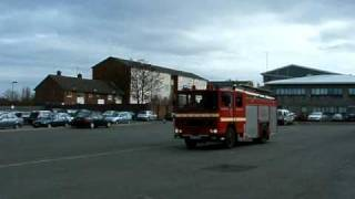 preview picture of video 'MERSEYSIDE FIRE& RESCUE DENNIS SS APPLIANCES.'