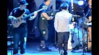 Aaminin-Ney Dimaculangan Live at Trinoma