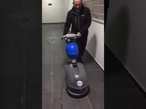 Labomat 35 B Akülü Zemin temizlik Makinası