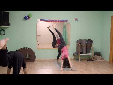 ЙОГА - бодрое  утро.  Для утренней  зарядки -  практика ЙОГИ  с AIRA Club Kazan.