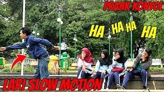 LARI SLOW MOTION DIDEPAN ORANG   Prank Indonesia