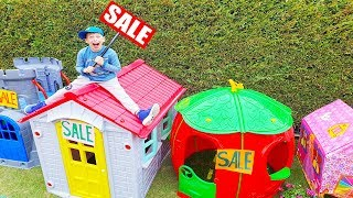 Ali and Adriana play Sale Toy Playhouses