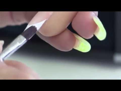 Comme guérir le microorganisme végétal des ongles sur les pieds propolisom