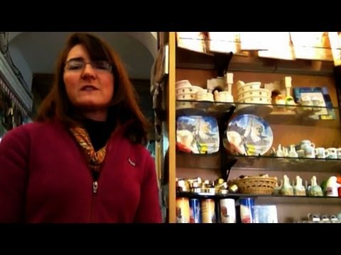 Video Exploring papal souvenirs in Rome