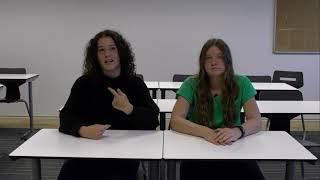 Gebarentaal met leerlingen Mollercollege