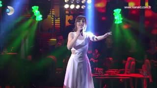 Gülden Mutlu - Yatsın Yanıma (Beyaz Show - Canlı Performans)